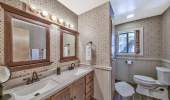 815-Lakeview-Upstairs-Guest-Bath